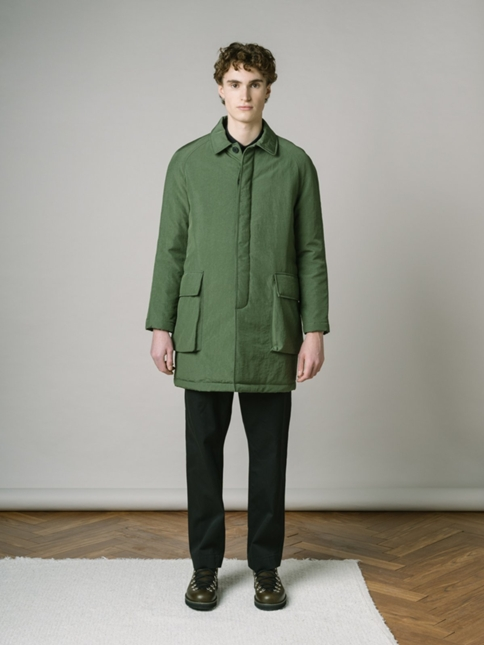 BRAE MAC IN MILITARY GREEN WATER REPELLENT ITALIAN NYLON WITH RECYCLED PADDED LINER